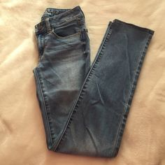 American eagle jeans Straight leg / slim straight pair of jeans that are still in perfect condition! Regular length American Eagle Outfitters Jeans Straight Leg