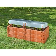 Each section comes with a removable cold frame cover made from heat insulating and frost resistant garden elements Wood Raised Garden Bed, Raised Garden Planters, Raised Planter Beds, Raised Bed Garden Design, Wood Planter Box, Wood Planters, Raised Beds, Serre Polycarbonate, Polycarbonate Greenhouse