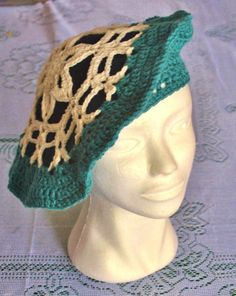 Green and White Snow-flake lace beret