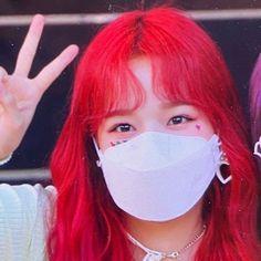 Yuri, Kpop Girl Groups, Kpop Girls, Cool Girl, My Girl, Strawberry Hair, Hair Icon, Japanese Girl Group, Girls World