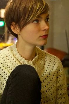 Pin on ショートヘア Pixie Hairstyles, Hairstyles With Bangs, Pretty Hairstyles, Hairstyle Ideas, Cut My Hair, Her Hair, Hair Bangs, Hair Styles 2014, Short Hair Styles