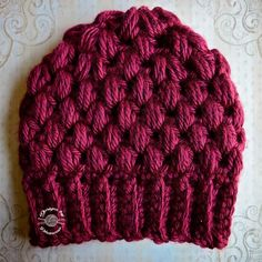 crochet stitch chunky puff stitch crochet beanie pattern - Some stitches are better suited to heavy yarn. Find out the best crochet stitches for chunky yarn to show off your stitch work. Crochet Crafts, Crochet Yarn, Hand Crochet, Crochet Projects, Free Crochet, Puff Stitch Crochet, Crochet Stitches, Knitting Patterns, Crochet Patterns