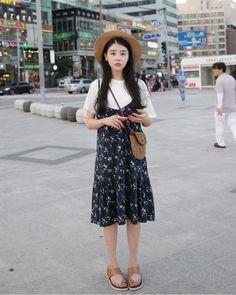 Dress Up Confidence! 66girls.us Low Neck Floral Print Pinafore Dress (DIIH) #66girls #kstyle #kfashion #koreanfashion #girlsfashion #teenagegirls #younggirlsfashion #fashionablegirls #dailyoutfit #trendylook #globalshopping