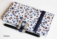 Porte chéquier fait main élégant marin fleuri beige / bleu pour femme avec emplacement crayon  : Porte-monnaie, portefeuilles par kipapee