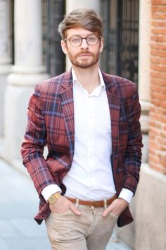 Should I even say anything? Great blazer, great spectacles, great combination. #men #style #blazer #pattern #spectacles