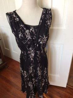 New NWT Simply Vera Vera Wang Sleeveless Black White Gray Dress Size SMALL $58