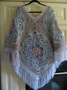 The Most Beautiful Crochet Poncho Patterns - Page 13 of 20 Boho Crochet Patterns, Crochet Beach Dress, Crochet Poncho Patterns, Crochet Cardigan, Crochet Cross, Knit Or Crochet, Crochet Scarves, Crochet Clothes, Crochet Accessories