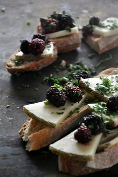 Blackberries, cheese, and bread