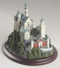 Castles of The World Neuschwanstein - Boxed by Lenox