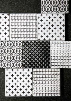 Carreaux de fiaence aux motifs géométriques ethniques noir et blanc