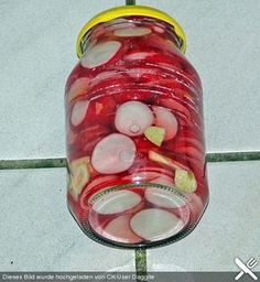 Eingelegte Radieschen Pickled radishes, a tasty recipe from the preservation category. Ratings: Average: Ø Pickled Radishes, Chicken Steak, Broccoli Cheese Soup, Vegetable Drinks, Healthy Eating Tips, Preserving Food, Canning Recipes, Food Menu, Diy Food