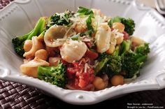 Going Vegetarian: 5 Things You Need to Know Diet Recipes, Cooking Recipes, Healthy Recipes, Healthy Foods, Vegetarian Recipes, Healthy Life, Healthy Eating, How To Cook Broccoli, Unhealthy Diet
