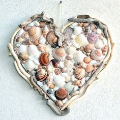 FB page - Completely Coastal ❤ Another very pretty heart! For more ideas, click here: http://www.completely-coastal.com/2014/01/beach-heart-ideas-share-love.html Via: http://www.pinterest.com/pin/2251868533170647/