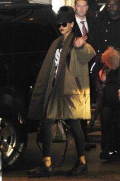Rihanna Leaving Her Hotel in Washington e84218d17