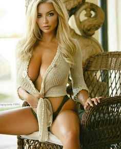 Spicy sweetie Lindsey Pelas flashing her nice breasts