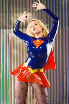 """25 Cute Girls in Super Hero Costumes « furiousfanboys.com ♥✮✮""""Feel free to share on Pinterest"""" ♥ღ www.UNOCOLLECTIBLES.COM"""