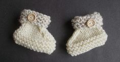 I wanted to use up my small amounts of aran weight (10ply) yarn left over from other projects.  These little bootees were the result .... a...