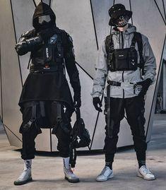 "Gefällt 2,623 Mal, 32 Kommentare - TECHWEAR / CRØWN (@techwear_crown) auf Instagram: ""Left or Right?! 🔥🖤 You decide 🙋♂️🙏 - - Model: @y_ln_t & @ibrah_69"" Mode Cyberpunk, Cyberpunk Clothes, Cyberpunk Fashion, Edgy Outfits, Cool Outfits, Fashion Outfits, Steampunk Fashion, Gothic Fashion, Mode Streetwear"