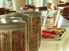 Soluzioni per l'esposizione dei prodotti nel Breakfast a self-service