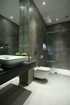 46 Luxury Family Bathroom Design For Your Classy Home Minimalist Bathroom Design, Bathroom Interior Design, Bad Inspiration, Bathroom Inspiration, Family Bathroom, Small Bathroom, Bathroom Ideas, Bathroom Trends, Bathroom Faucets