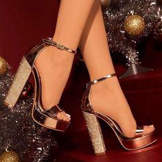 Vêtements, Accessoires Ikrush Womens Diana Diamante Broche Satin Talons Femmes: Chaussures