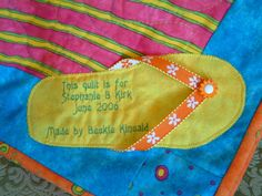 Create a label as an appliqued shape that's related to your quilt theme. Quilting Quotes, Quilting Tips, Quilting Projects, Quilting Designs, Sewing Projects, Quilt Labels, Fabric Labels, Cute Quilts, Easy Quilts