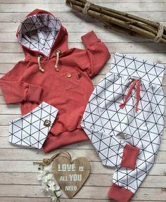 Für J.C. 👶🏻💙#keinverkauf#formygrandchild#nähenfürsenkelkind#babyoutfit#babyfashion#babyset#größe74#fashion#instafashion#babyboy#nähenfürbabys#madeitmyself#handmade#puli#hoodie#pullover#oufitinspiration#outfitoftheday#babyoutfitoftheday#inspiration#becreative#lovethiskid#👶🏻#💙