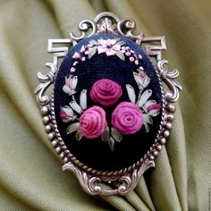 Купить Брошь в винтажном стиле с вышивкой Винтажная роскошь - бордо, винные оттенки, брошь с розами
