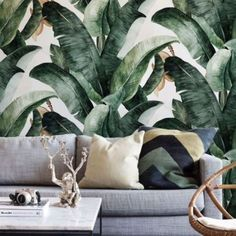 Wallpaper Accent Wall - Interior design inspiration // How to use Banana leaf wallpaper // Shades of gre. Room Wall Decor, Living Room Decor, Living Area, Living Spaces, Tropical Home Decor, Tropical Interior, Luxury Interior, Tropical Furniture, Tropical Colors
