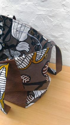de African American Culture, Couture Sewing, Purse Patterns, African Fashion Dresses, African Outfits, Messenger Bag, Creations, Tote Bag, Purses