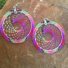 ... Indian Beadwork, Native Beadwork, Native American Beadwork, Seed Bead Patterns, Jewelry Patterns, Beading Patterns, Beaded Earrings Native, Seed Bead Earrings, Bead Jewellery