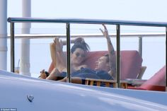 Kendall Jenner kisses Harry Styles while holidaying on St Barts yacht | Daily Mail Online