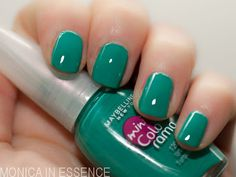 Maybelline mini Colorama Urban Turquoise 120