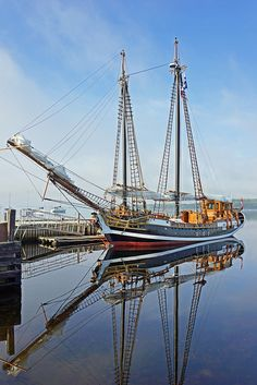 Tall Ship Larinda, Shelburne, Nova Scotia - Canada