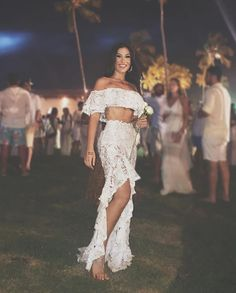 Bianca andrade boca rosa look de ano novo. Pinterest: @giovana Skirt Outfits, Cute Outfits, Day Dresses, Prom Dresses, Mother Daughter Photography, Bikini Poses, Beachwear For Women, Looks Cool, Festival Fashion