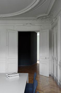 Neru su bianoco Apartment in Italy by maat architettura   Yellowtrace.