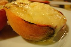 Grilled peaches with marscapone cheese