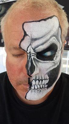 Mark Reid...a skull done right!!!  (Notice, no teeth to the ears, folks!  haha!)