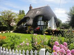 More pretty cottage gardens in Hampshire | Hessfamilyuk | Flickr