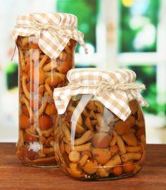 Grzyby marynowane przepis Stuffed Mushrooms, Vegetables, Food, Stuff Mushrooms, Essen, Vegetable Recipes, Meals, Yemek, Veggies