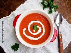 """Pentru mine supele-crema au asa, o aroma de rasfat, desi sunt absolut banale si poate chiar mai usor de facut decat o supa sau o ciorba """"normala"""". Nu stiu de ce, la noi in familie nu pr… Good Wife, Thai Red Curry, Ale, Ethnic Recipes, Fine Dining, Ales"""