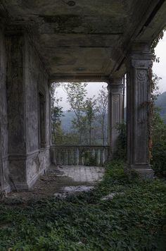 Abandoned mansion once a beautiful porch