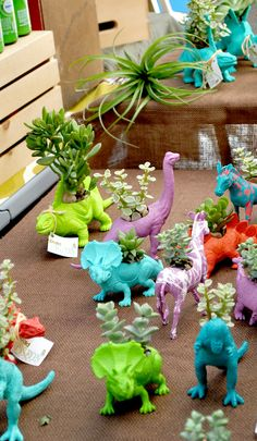 DIY Dinosaur Soap Party Favors are perfect for a birthday party or kids craft activity. Cute dinosaur party ideas for a roaring good time. Kids Crafts, Craft Activities For Kids, Diy And Crafts, Craft Projects, Dinosaur Plant, Dinosaur Garden, Girl Dinosaur, Dinosaur Party Favors, Dinosaur Birthday Party