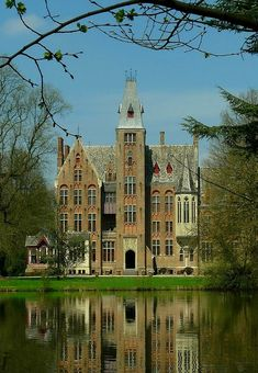 Castle Loppem (Belgium) by Mark Billiau.