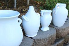 Spray Painting Ceramics - Honey N Hydrangea Spray Paint Ceramic, Spray Painting Glass, Ceramic Painting, Spray Painting Wood Furniture, Best Spray Paint, Glaze Paint, Home Decor Vases, Glazes For Pottery, Pottery Clay
