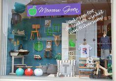 Shop window display, vitrine. Kinderwinkel Mevrouw Groen, Hilversum, Netherlands. Shopping for kids in the Netherlands.