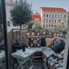 Small but nice ✨ Even from a small terrace you can really get a lot out of it. After over a year, the project balcony was started and . - Mediterranean Decor Ideas - Monique Bejarano - Kleiner Balkon - Home Decor Outdoor Decor, Balcony Decor, Outdoor Space, Small Terrace, Home, Balcony Railing, Mediterranean Decor, Outdoor Spaces