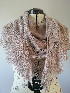 Ravelry: Fragile Heart pattern by Boo Knits
