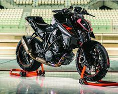 KTM Super Duke, nice bike.