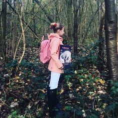 De wind en wij – Wonderland by Alice Kanken Backpack, Childrens Books, Alice, Backpacks, Bags, Fashion, Children's Books, Handbags, Moda